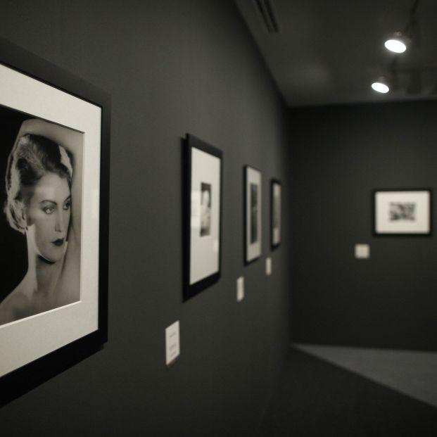 Uno de los apartados de la exposición 'Man Ray Objetos de ensueño' en la Fundación Canal de Madrid (Europa Press)
