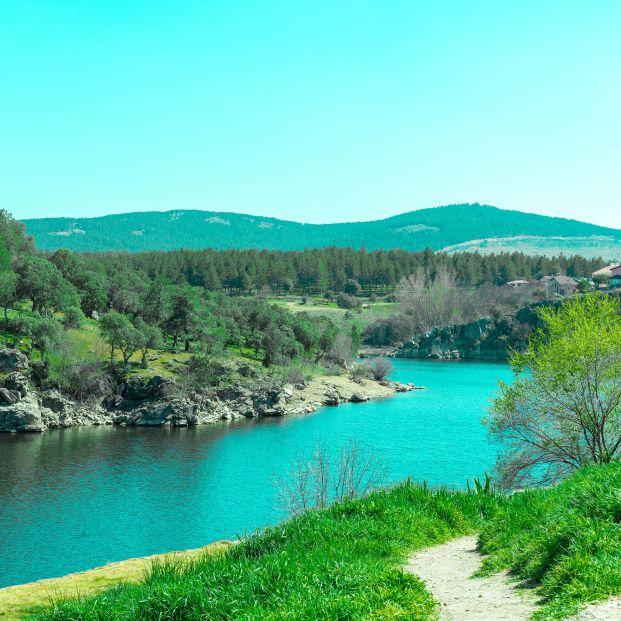Descubre la impresionante Laguna de los Pájaros en Madrid