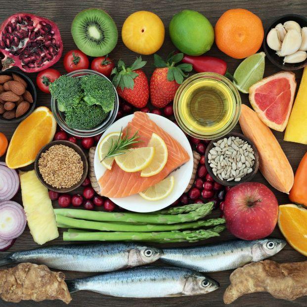 Se puede adquirir suficiente vitamina D con la alimentación (Bigstock)