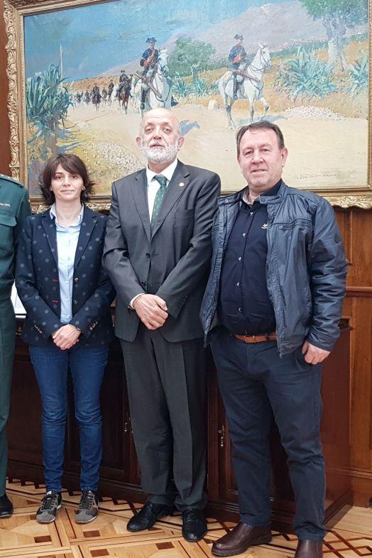 Miembros de RAGCE junto a Félix Azón, Director Generaal de la Guardia Civil