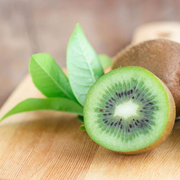 Estos son los riesgos de quitar la parte podrida de las frutas y comerte el resto despreocupadamente