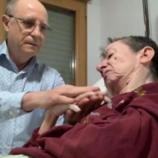 Ángel Hernández y María José Carrasco