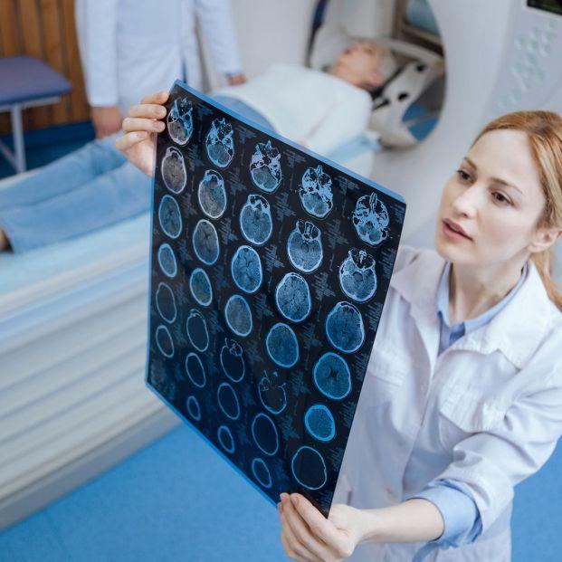 El PET ofrece una visión molecular y celular del organismo qué diagnostica