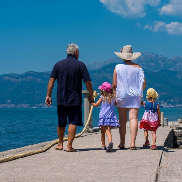 El contacto con los nietos rejuvenece a sus abuelos