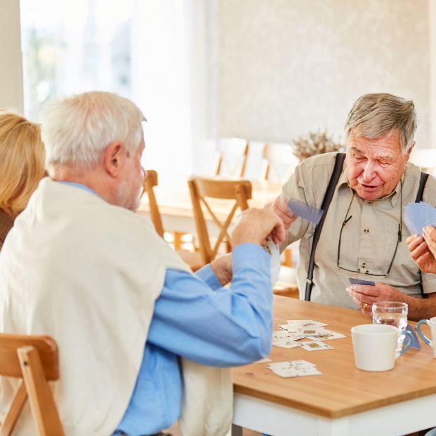 Madrid pone en marcha un programa de viviendas compartidas para mayores de 65 años