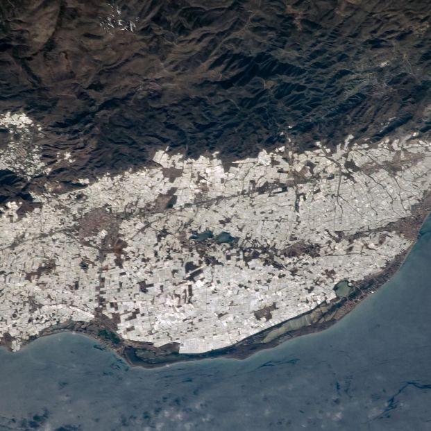 """El """"mar de plástico"""" de Almería visto desde el espacio"""