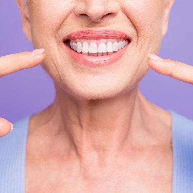 Con la técnica del BOPT dental se previenen la retracción de las encías e infecciones en implantes