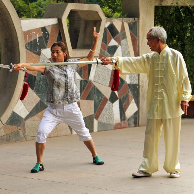 Tai Chi con espada descubre esta modalidad apta también para mayores