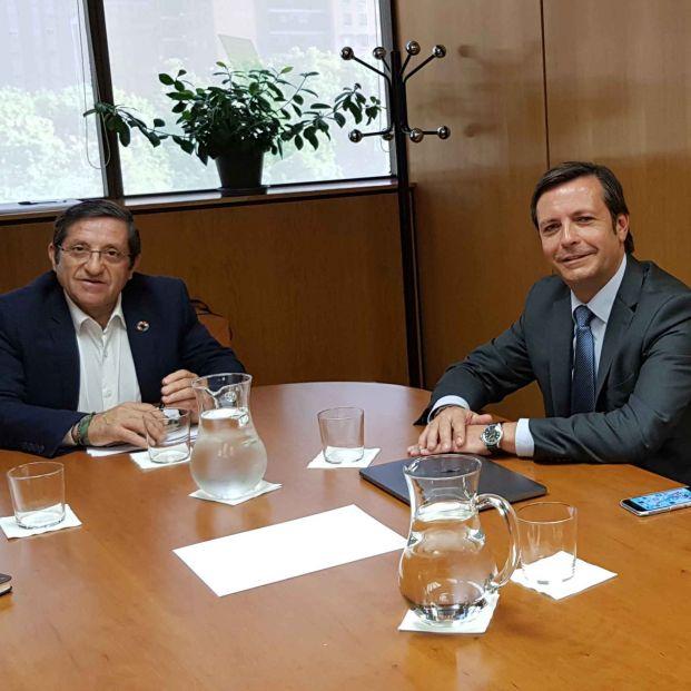 Reunión del director general del Imserso con la dirección de 65Ymás