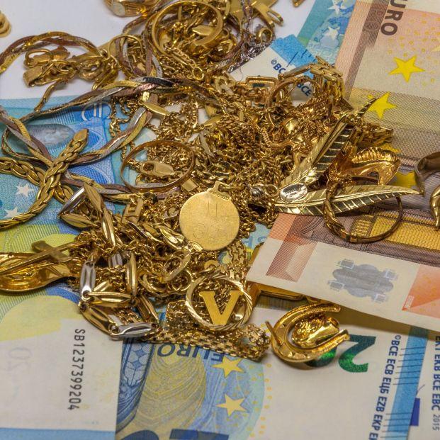 Qué pasos debo dar si quiero vender mis joyas de oro