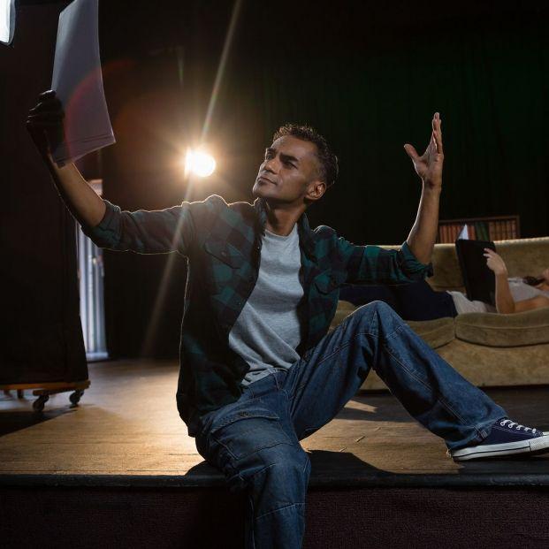 Dónde acudir si te gusta el teatro de improvisación (Bigstock)