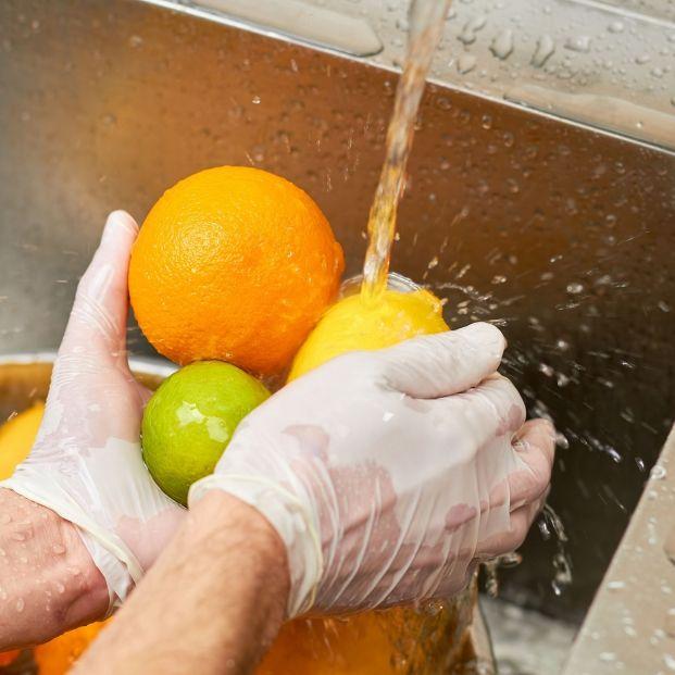 Alimentos que debes lavar antes de consumirlos si no quieres intoxicarte