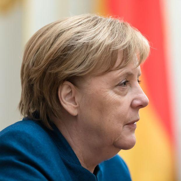 ¿Qué le pasa a Merkel?: los médicos especulan sobre sus espasmos