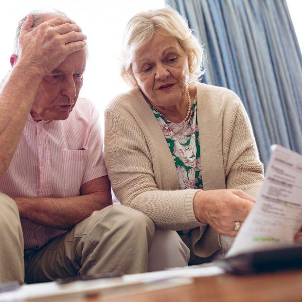 Por qué amenazan a los mayores con meterlos en el registro de morosos