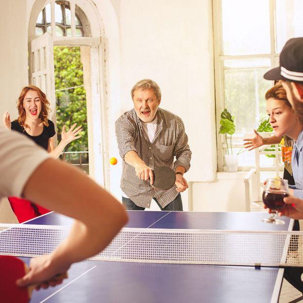 Beneficios de jugar al ping-pong a partir de los 60 años