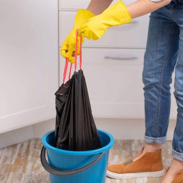 Apunta estos trucos si quieres eliminar el mal olor que desprende tu basura