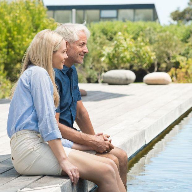 Cómo adaptar la piscina a las personas mayores
