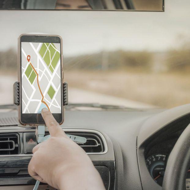 ¿Cómo debes utilizar el navegador cuando conduces?