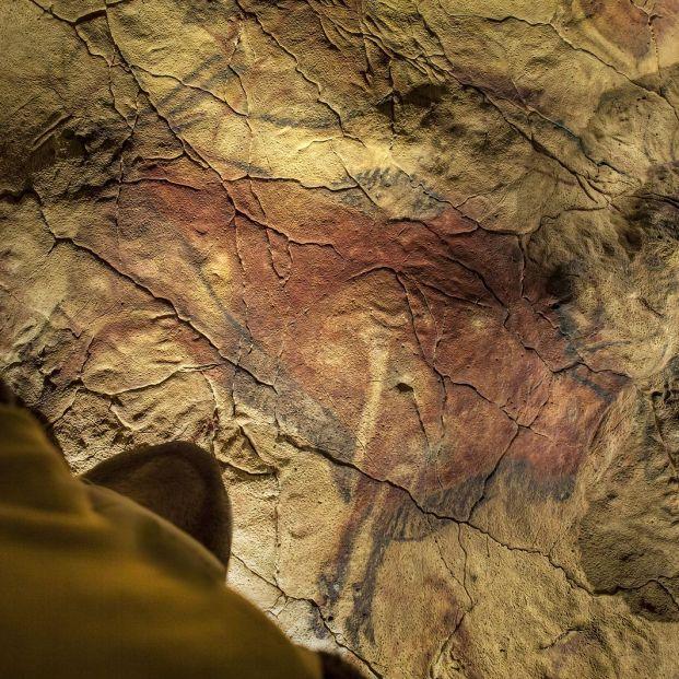 Destinos para viajar en familia y descubrir la prehistoria