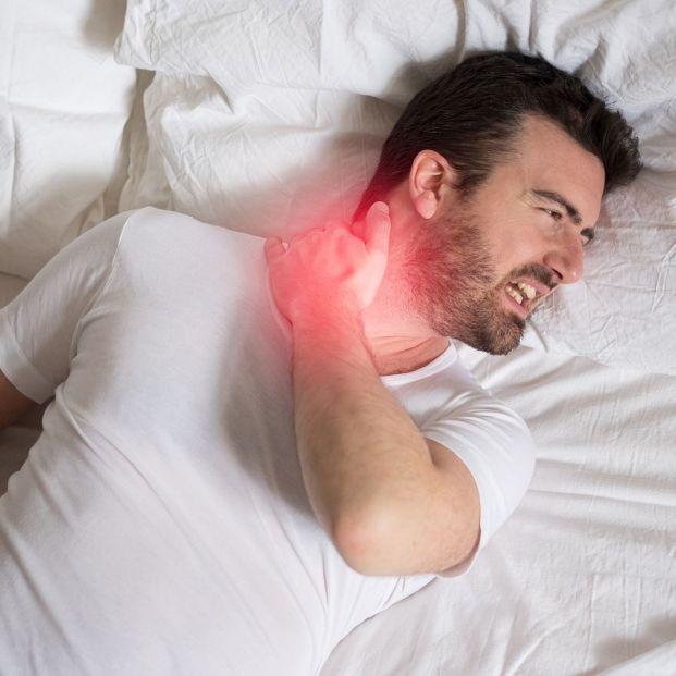 Qué clase de almohada me conviene si tengo dolores en espalda o cuello