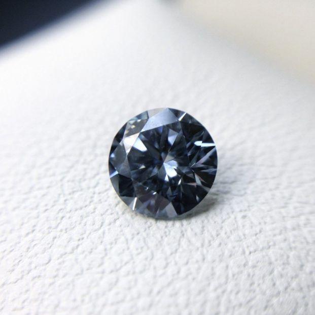 Una empresa convierte las cenizas de un difunto en diamantes