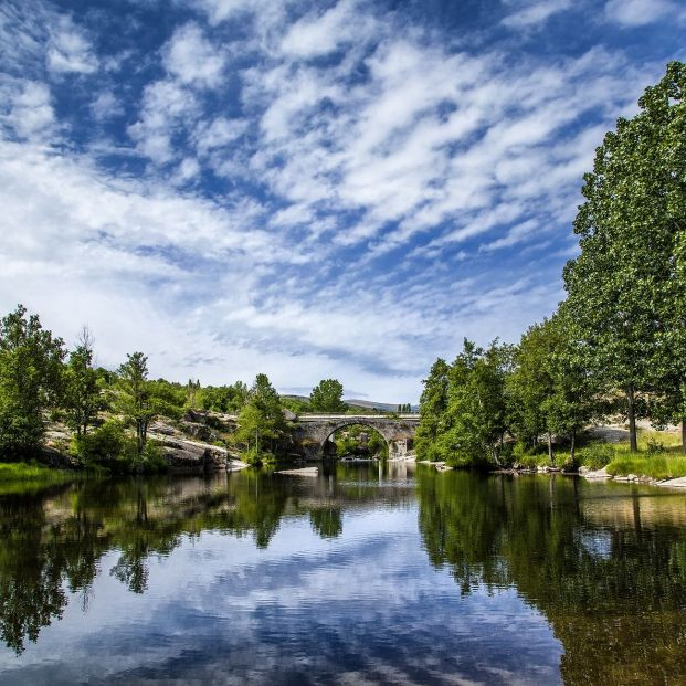 Lo que te ofrece el río Alberche para disfrutar del senderismo en los meses de más calor