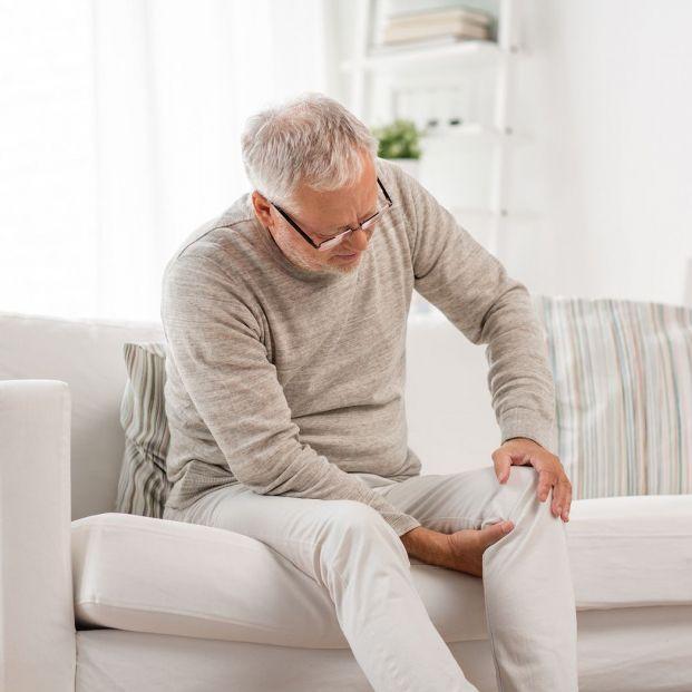 10 minutos, 4 ejercicios  y 0 material es lo que necesitas para aliviar tu dolor de rodillas