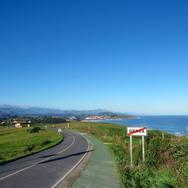 Rutas en Cantabria (bigstock Landscape)