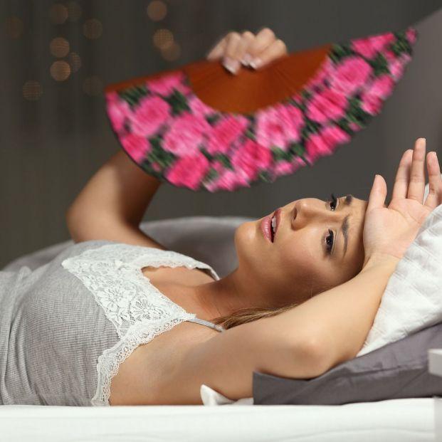 ¿Cómo lograr conciliar el sueño en una noche tropical?