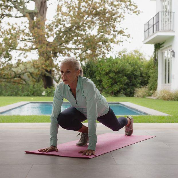 Los beneficios del yoga en caso de artritis en personas mayores