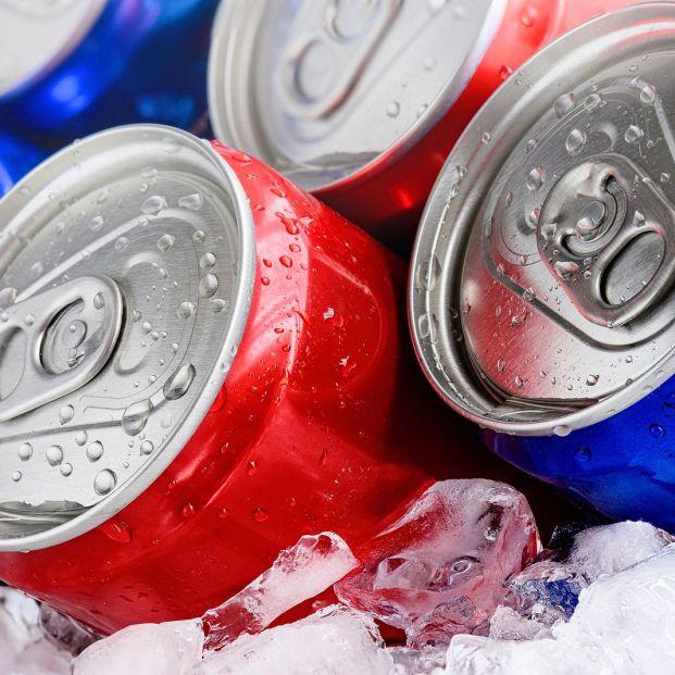 Los peligros del exceso de bebidas azucaradas y con gas