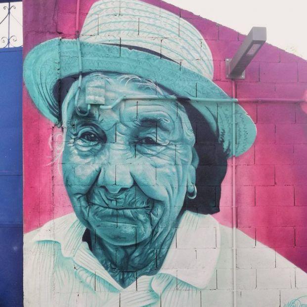 Las fachadas de Vigo lucen los rostros de sus vecinos