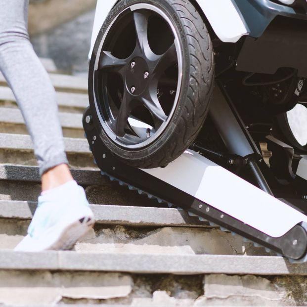 SCEWO, así es la silla de ruedas que sube las escaleras