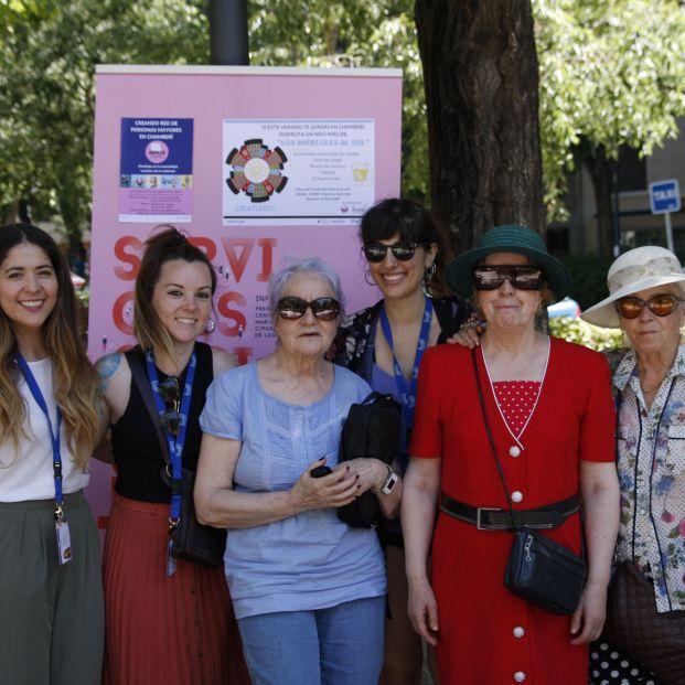 Los miércoles al sol, una iniciativa al aire libre para crear lazos entre mayores de Madrid