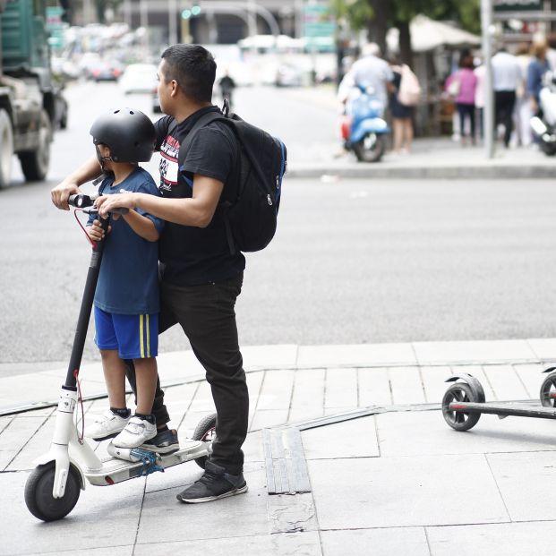Patinetes eléctricos, el mayor enemigo de los peatones: piden mano dura para sus conductores