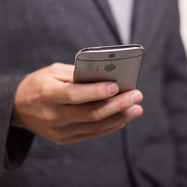 Conoce los teléfonos con los números grandes más vendidos (Creative commons)