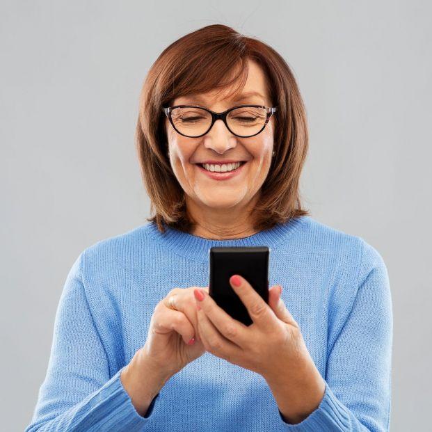 ¿Enganchado a tu móvil? Sigue estos trucos para reducir tu dependencia