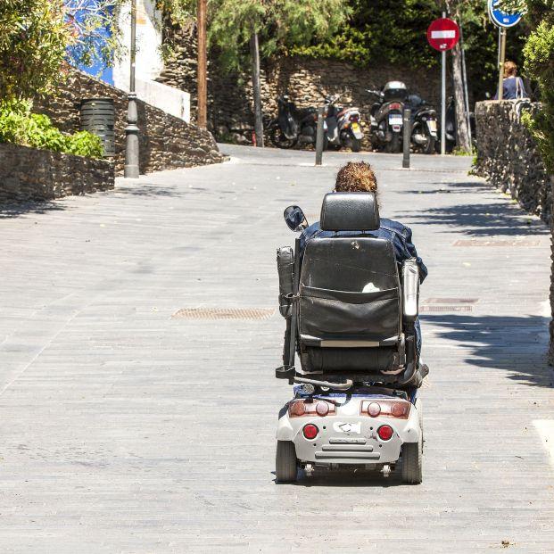 Tren y barco deberán aceptar sillas de ruedas con motor y scooters