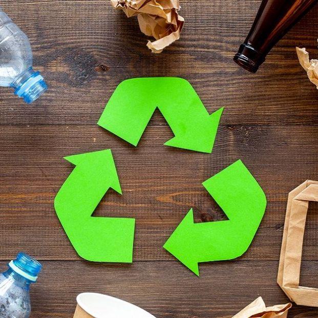 El importante separar la basura con el reciclaje
