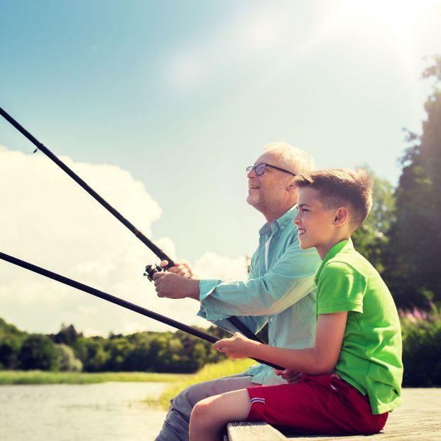 Consejos para enseñar a pescar a tu nieto