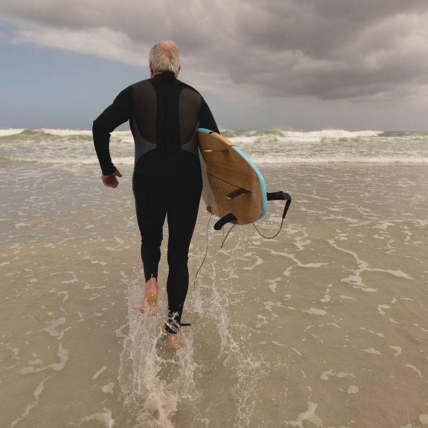 Gracias a los deportes acuáticos, los mayores puedes combatir el estrés y la ansiedad