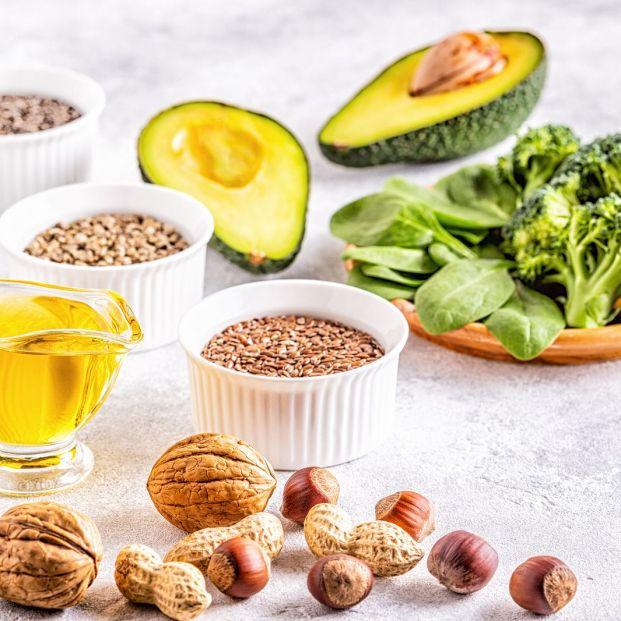 Qué alimentos pueden incorporar los mayores en la dieta para aumentar el colesterol bueno