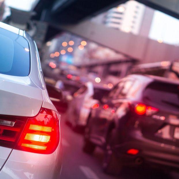 ¿Conoces los tipos diferentes de luces que hay en el coche y cuándo usar cada una de ellas?