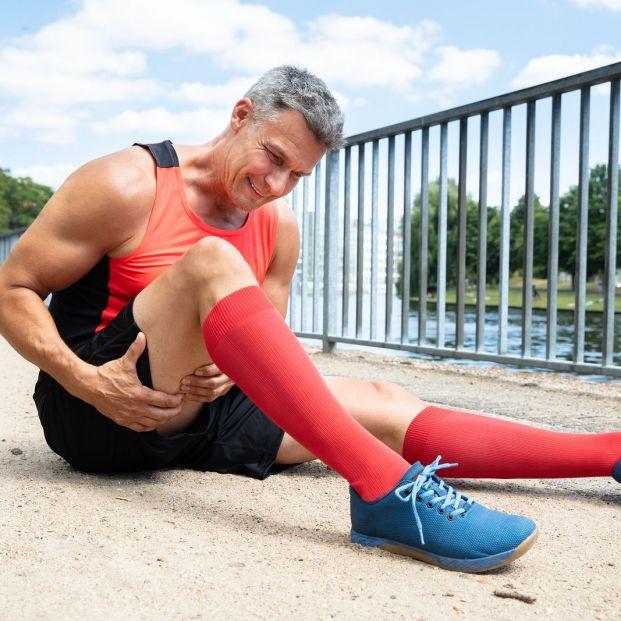 ¿Qué pueden hacer las personas mayores para prevenir los calambres musculares?