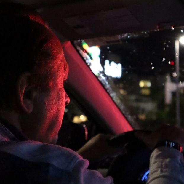 Consejos para la conducción nocturna en personas mayores