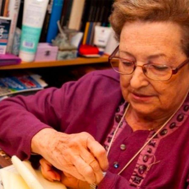 Barcelona presenta 'VinclesBCN', una app para evitar la soledad de los mayores