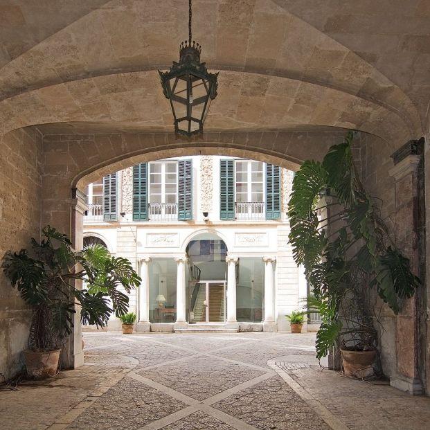 Ruta de los patios por Mallorca. Conoce la tradición de la ciudad de Palma de Mallorca (big stock)