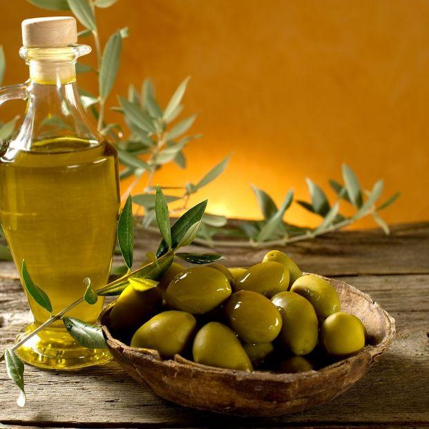 Aceite de oliva virgen (Bigstock)