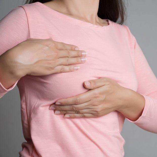 Cambios más habituales de los senos con la edad y por qué se producen