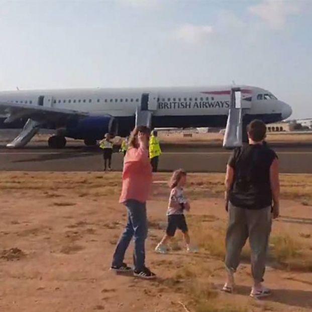 El pánico vivido en el avión de British Airways en Valencia grabado por un pasajero